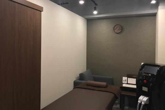 メンズ脱毛サロンレイロール渋谷店施術室